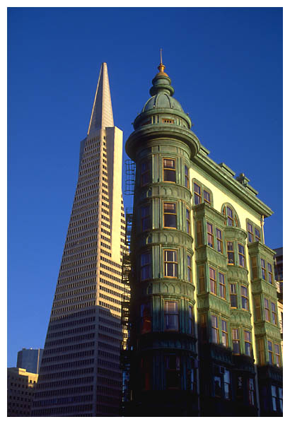 Columbus Tower: Proof that Columbus Tower is higher than the Transamerica Pyramid.